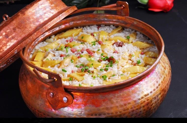 碧山旅行-洋芋火腿焖饭