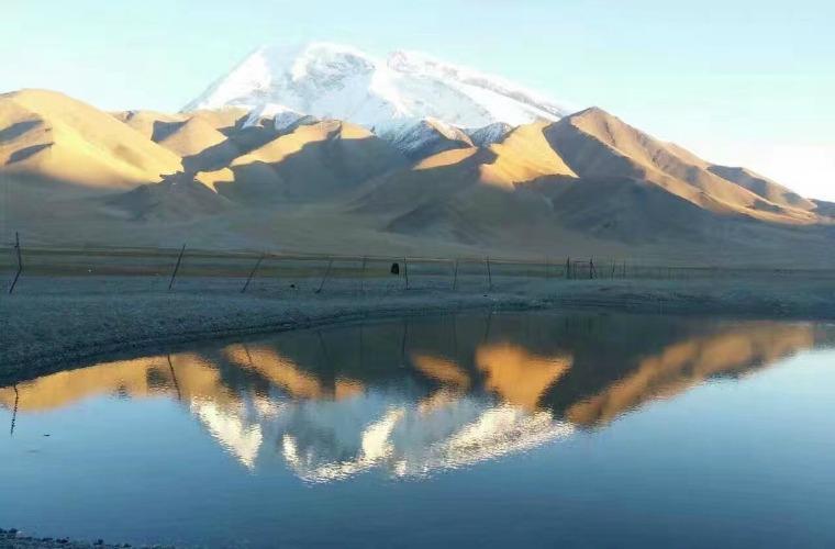 碧山旅行-新疆旅游-卡拉库里湖
