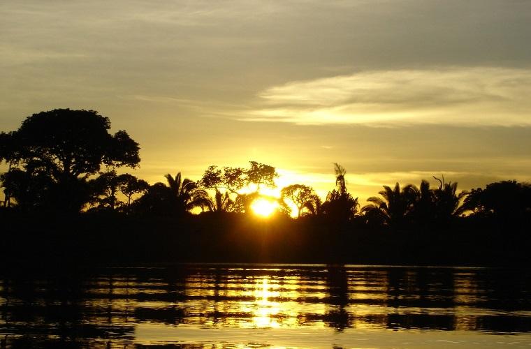碧山旅行-秘鲁旅游-泛舟徜徉亚马逊河