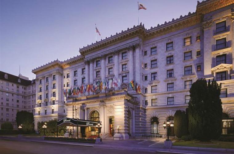 碧山旅行-金碧辉煌的酒店和无与伦比的服务
