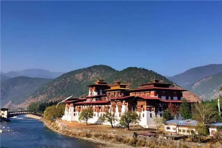 这个不丹行程里的亮点不是安缦,而是徒步到高山里有你的私人豪华营地